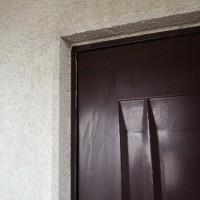 玄関ドアが閉まらない