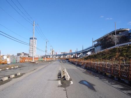 開発中の豊洲。右手はゆりかもめの新豊洲駅。